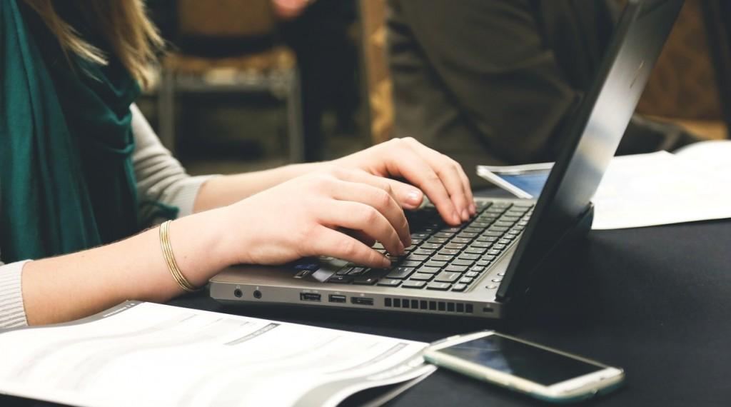 startup-593324_1280-1024x570 10 ventajas del e-learning