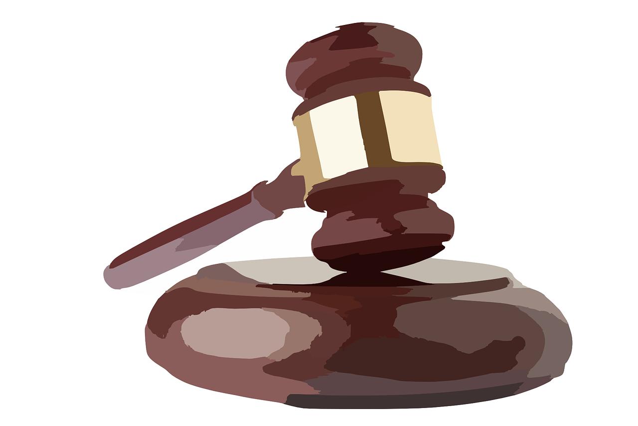 hammer-311342_1280 Estudiar Máster Peritaje Judicial y Auditoría PRL