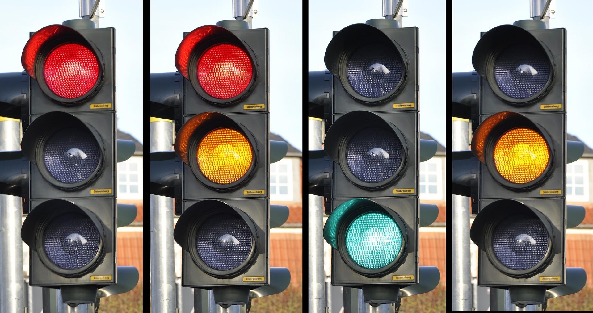 traffic-light-876056_1920 La discapacidad un reto para la Seguridad Vial
