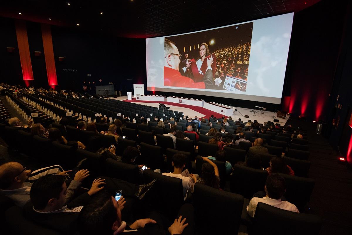 970x90-Guia-Linkedin Alumnos de IMF Institución Académica vivieron una graduación de película