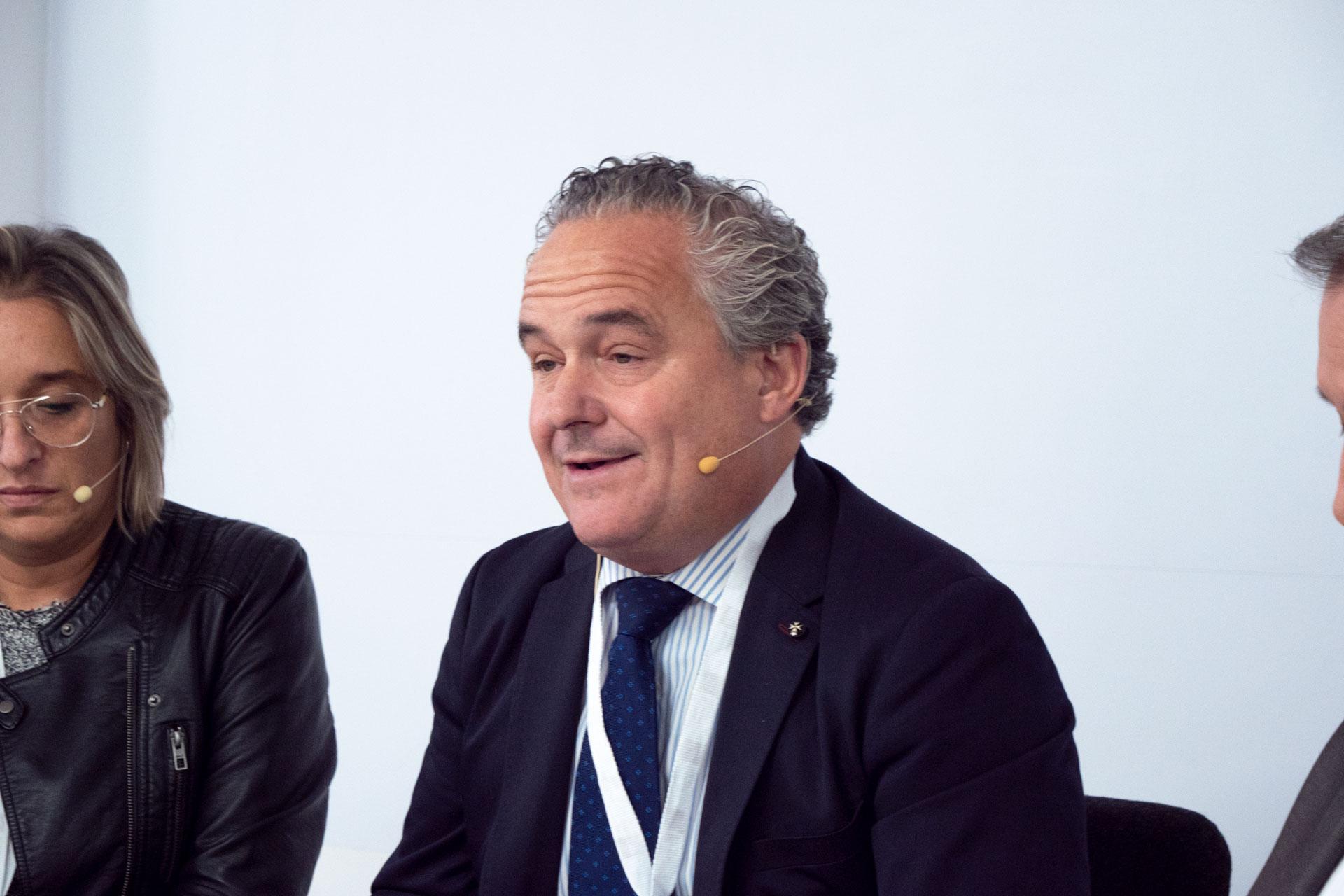 P1044229-300x200 Mesa Redonda en IMF: Reflexiones sobre discriminación del talento senior