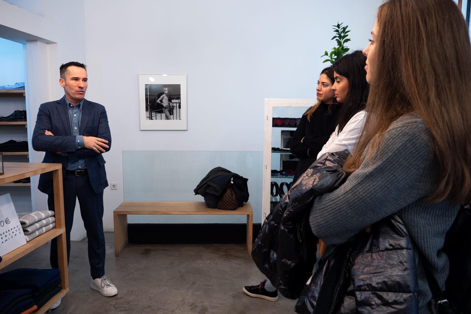 970x90-Guia-Linkedin Nuestros alumnos del MBA en Moda conocen al diseñador Manuel García
