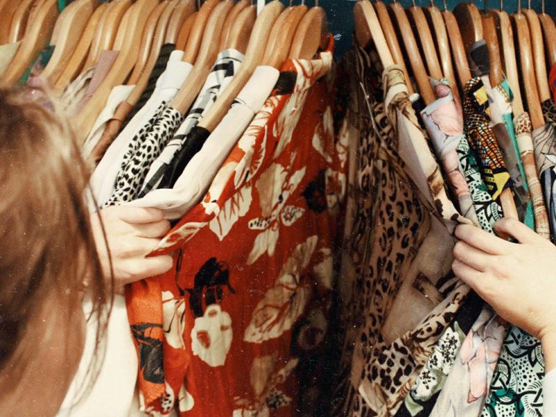 como-mejorar-experiencia-cliente-compra-moda-800x600 Cómo mejorar la experiencia de compra del cliente en el sector de la moda