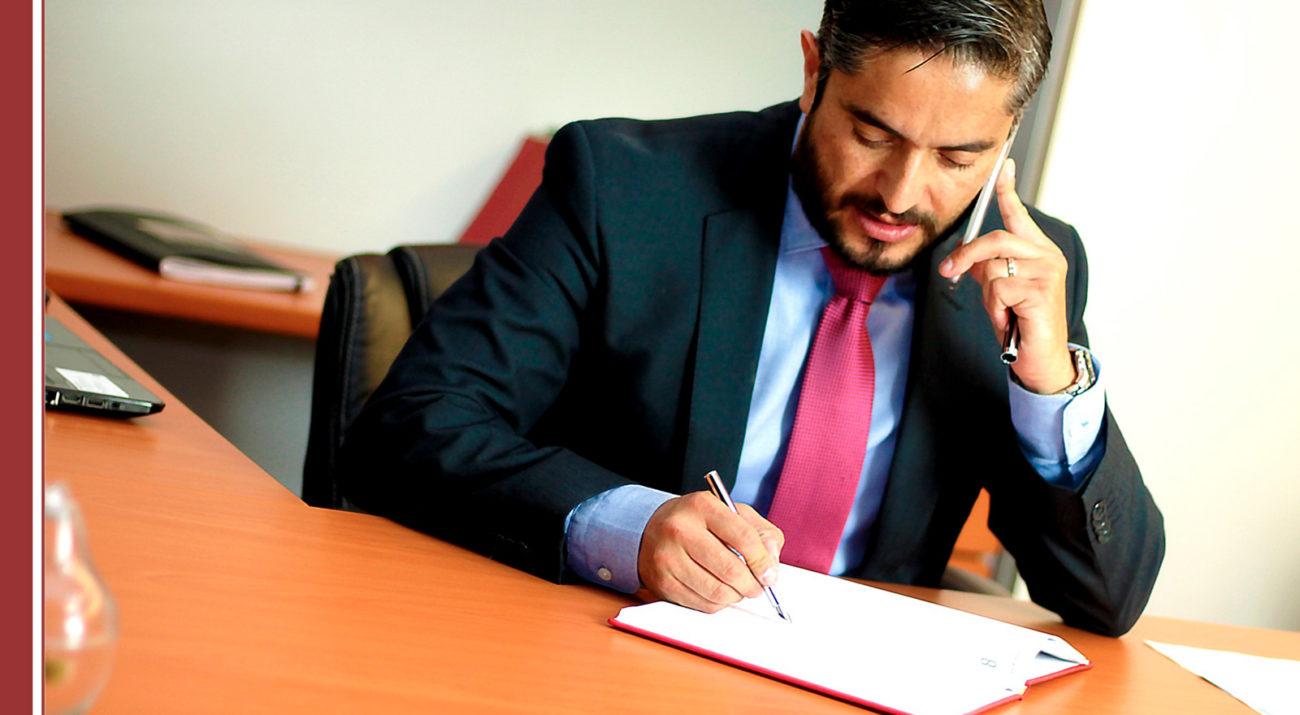 abogado-renunciar-acusado-1300x715 ¿Puede un abogado renunciar a defender a un acusado?