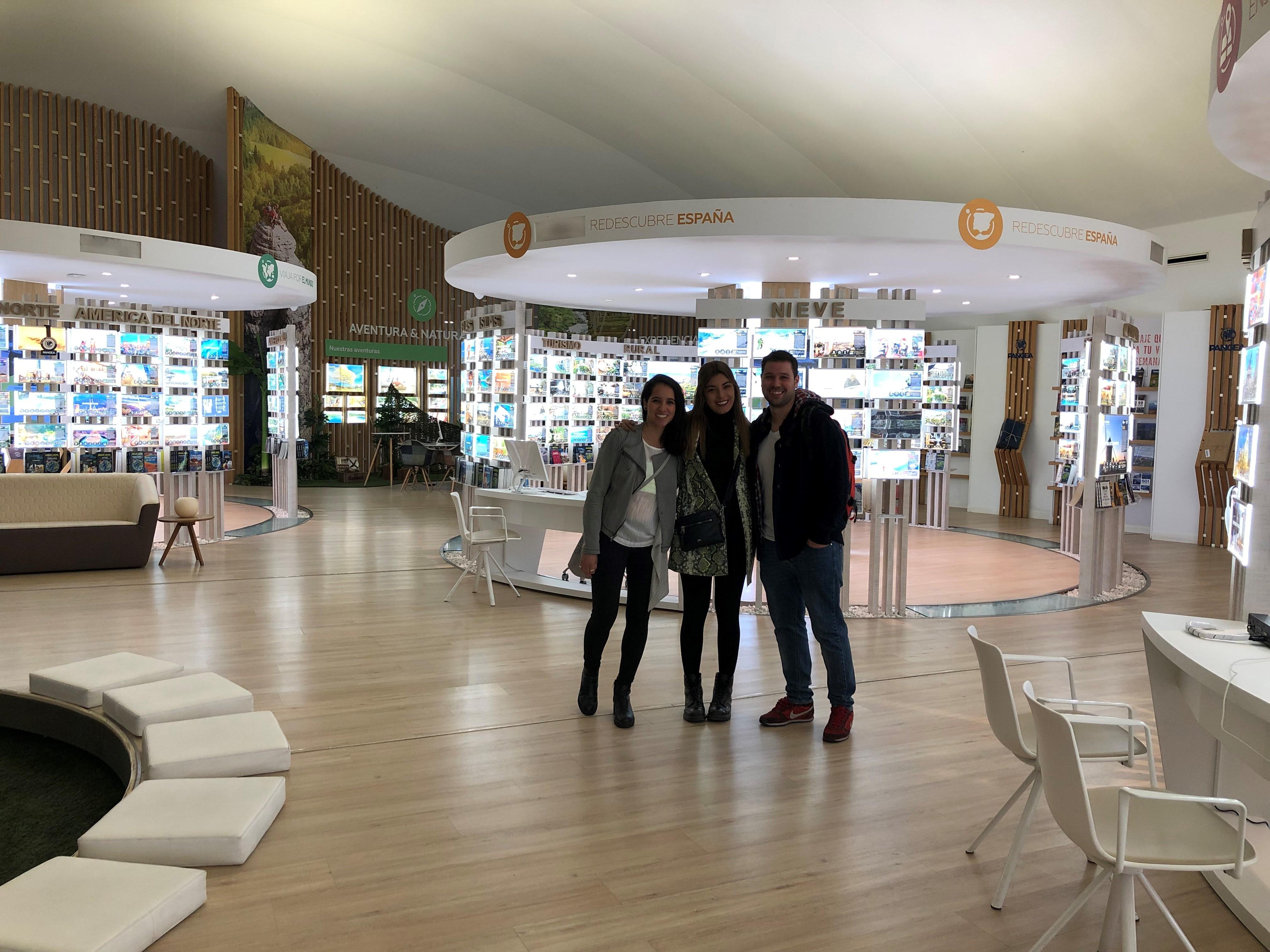visita-imf-pangea Los estudiantes del Master de Marketing de IMF conocen por dentro Pangea