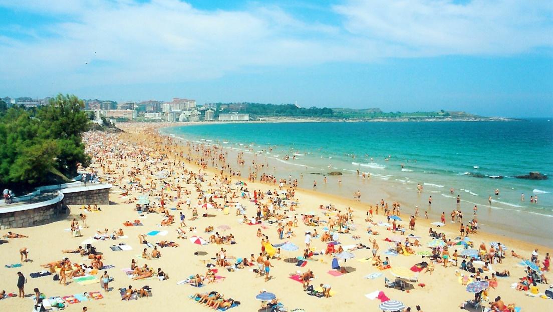 Playa_Sardinero_-_Santander_-_Spain 28 millones de turistas en 6 meses