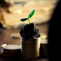 money-549161_640-200x200 Máster Energías Renovables: una apuesta a futuro