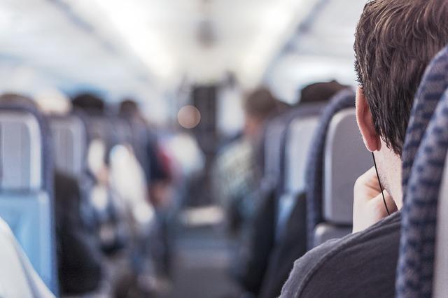 passenger-362169_640 10 consejos para evitar el síndrome de la clase turista
