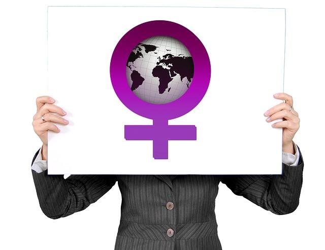 womens-power-454873_640 A más formación mejor empleo… para los hombres