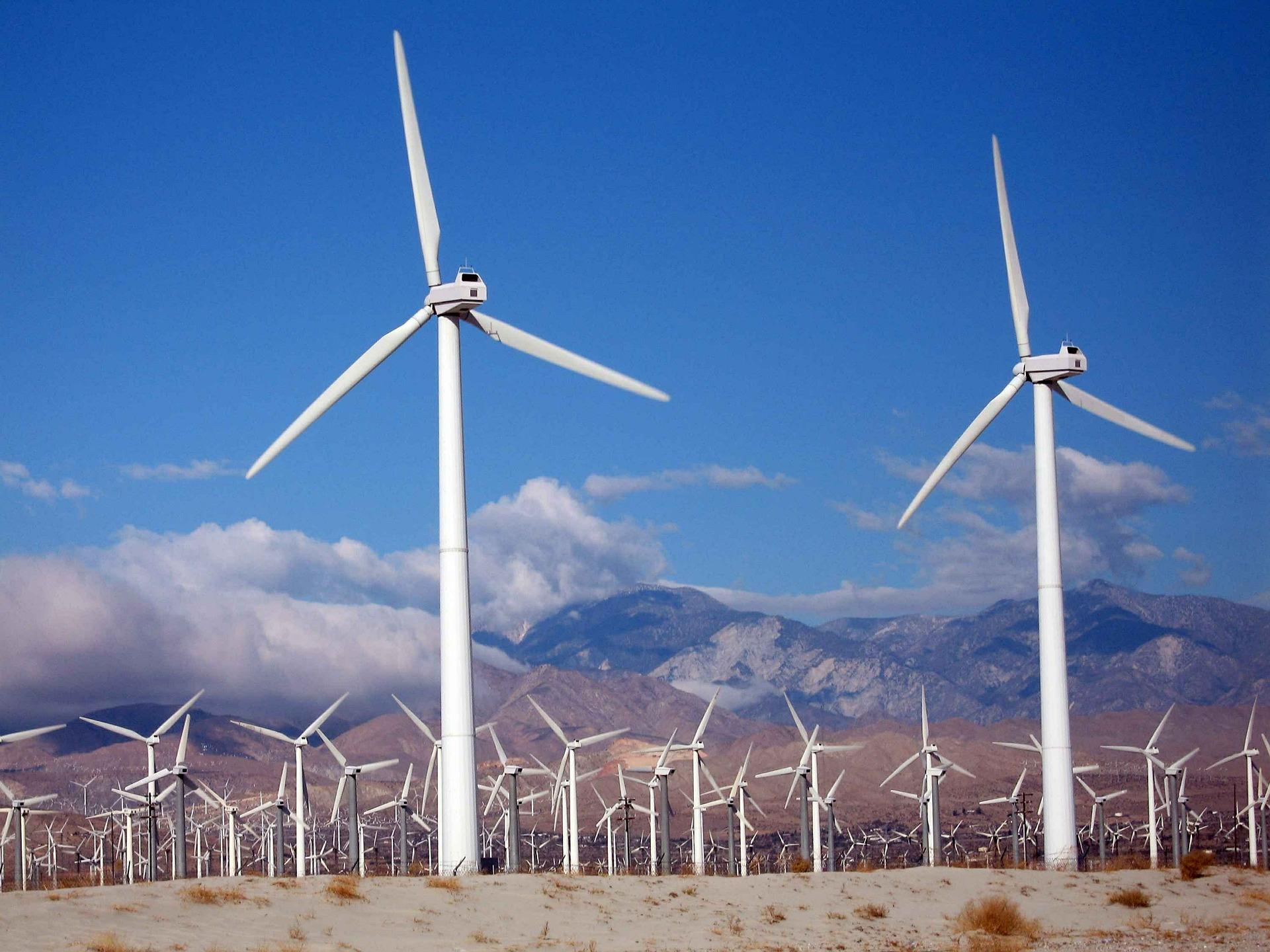 turbines-387282_1920 (2)