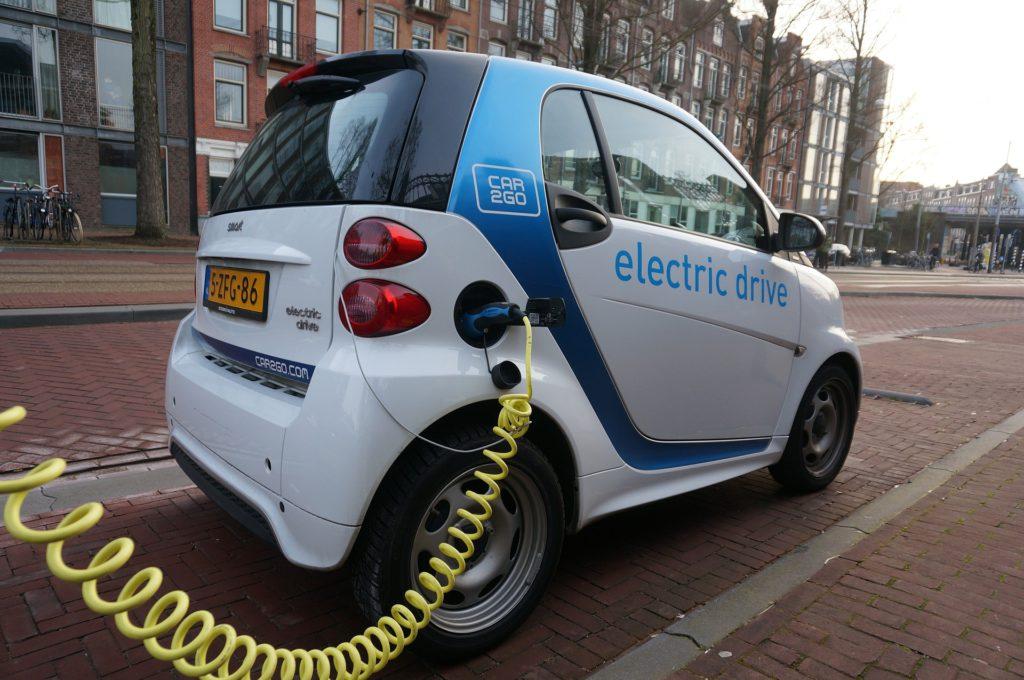 Coche eléctrico de conducción autónoma