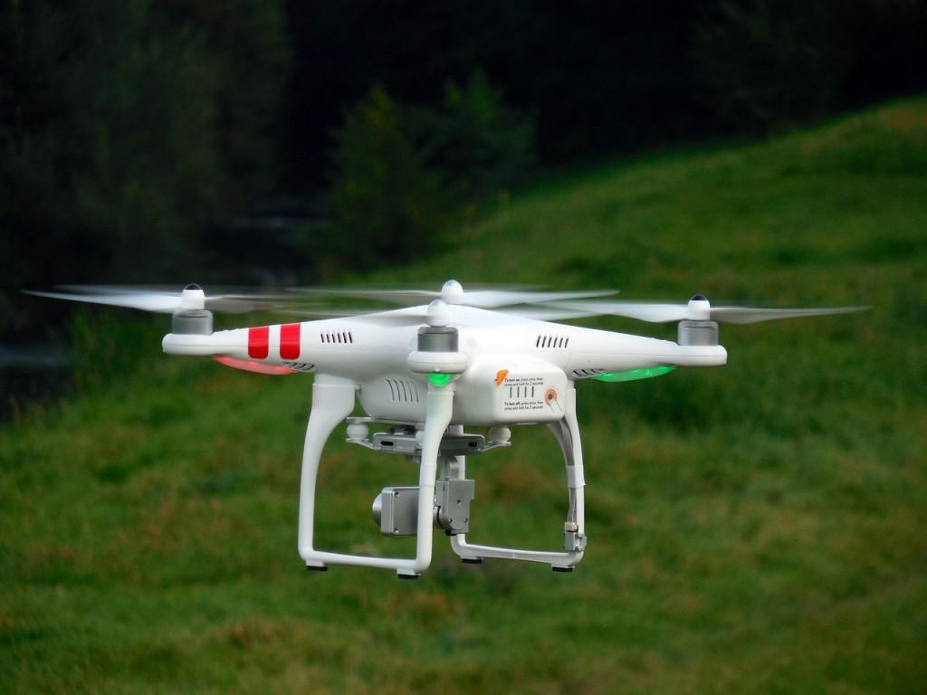 quadrocopter regulación europea de drones, uso en logística.