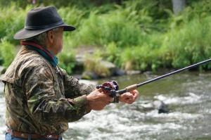 fisherman-585707_640