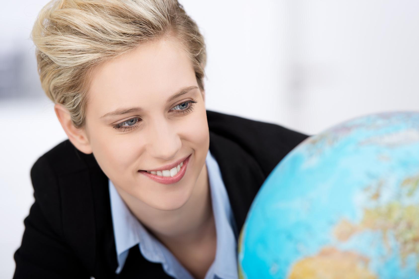 Fotolia_48831165_global Curiosidad y entusiasmo, entre las razones para elegir un MBA en Turismo