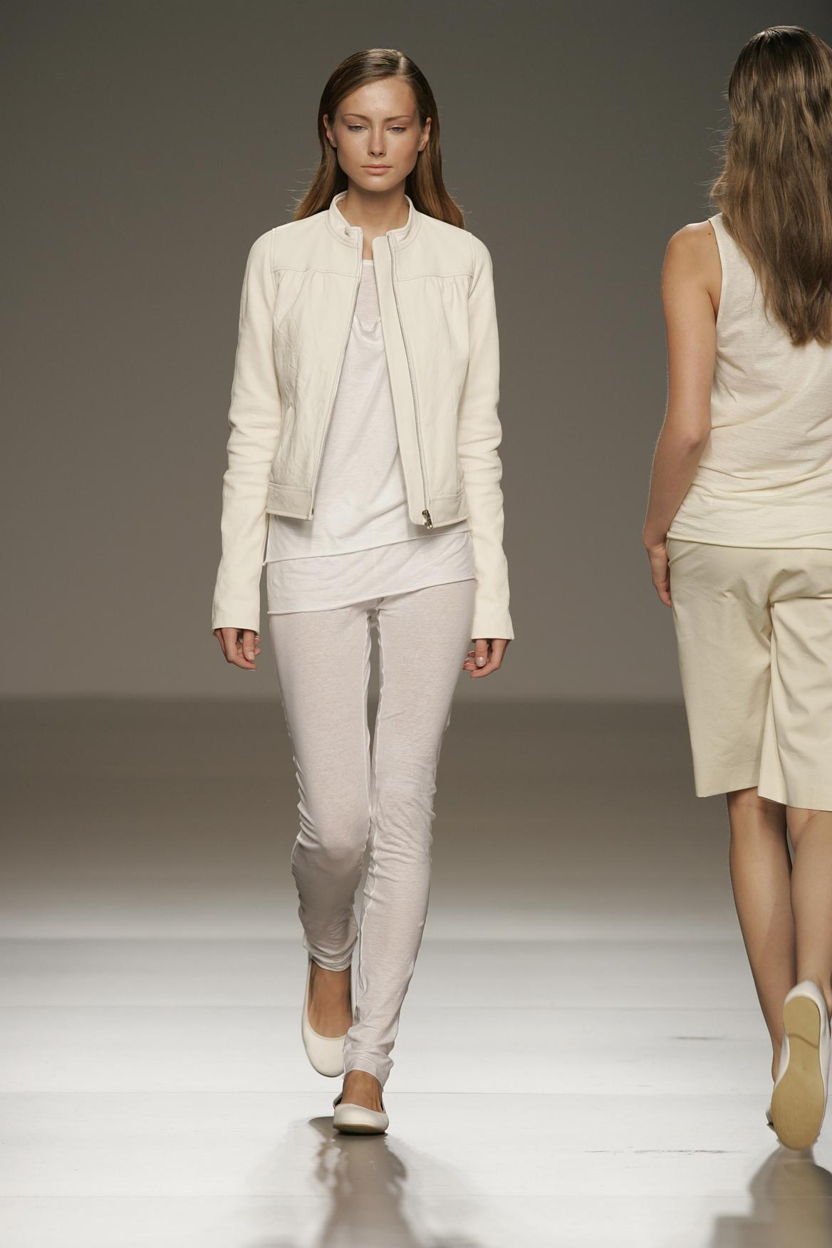 moda-espanola-evolucion-textil-ton-pernas Moda española: La evolución del sector textil en 42 años