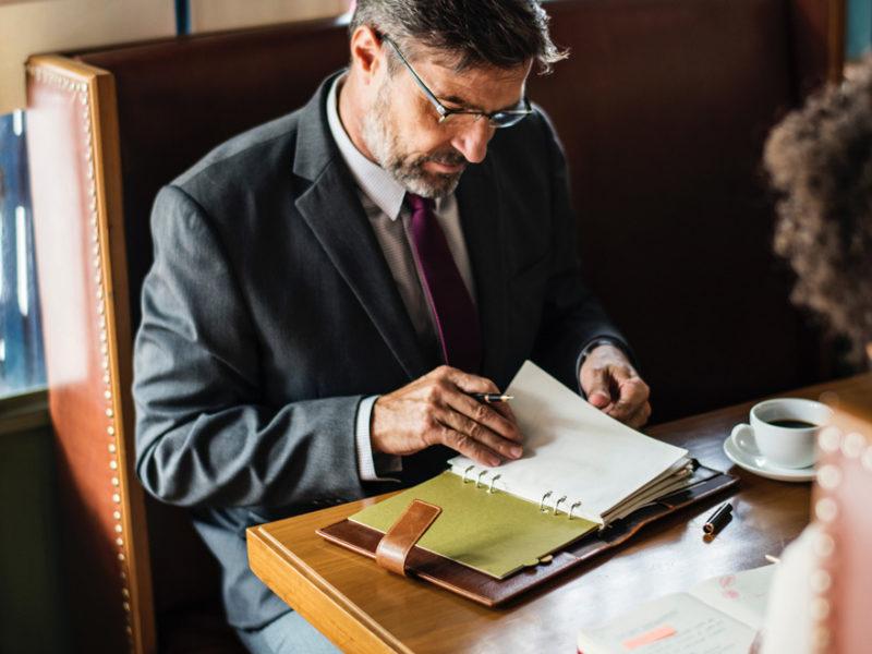 consultores-800x600 Qué es un consultor y qué habilidades necesita