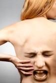 9063706-concepto-de-dolor-de-espalda-columna-vertebral-de-la-cintura-en-agonia SALUD LABORAL: DOLOR DE ESPALDA