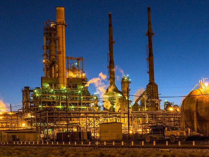 Prevencion-riesgos-laborales-industria-petroquímica-800x600 Prevención de riesgos laborales en la industria petroquímica
