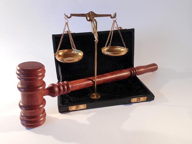 hammer-802302_640 Novedades legislativas en el trabajo y Seguridad Social