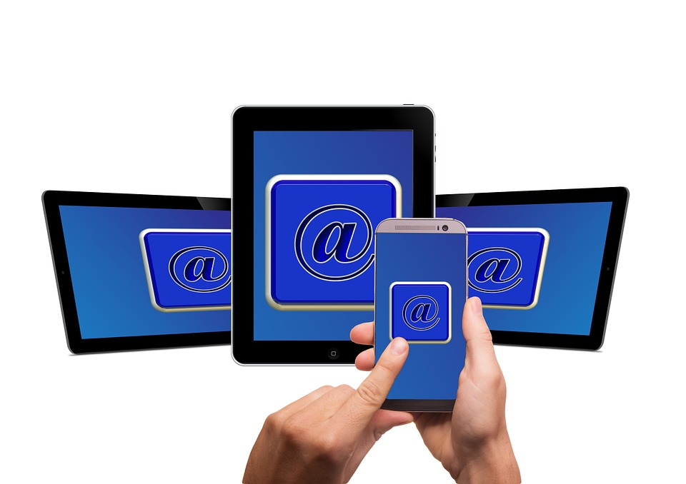 mobile-phone-579543_960_720 9 reglas para manejar el correo electrónico con eficacia
