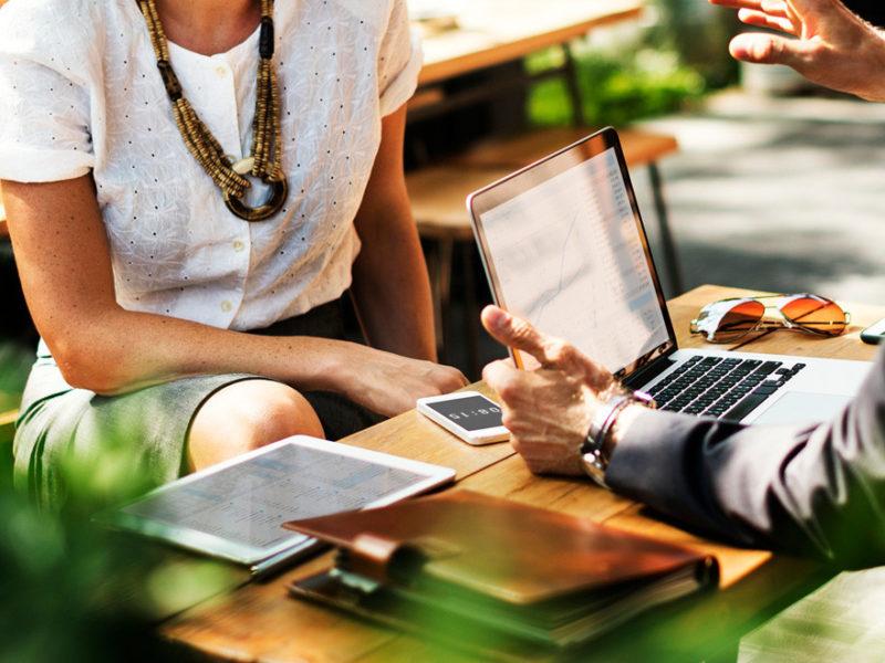 claves-fidelizar-empleados-1-800x600 Guía de LinkedIn para facilitar la tarea a reclutadores